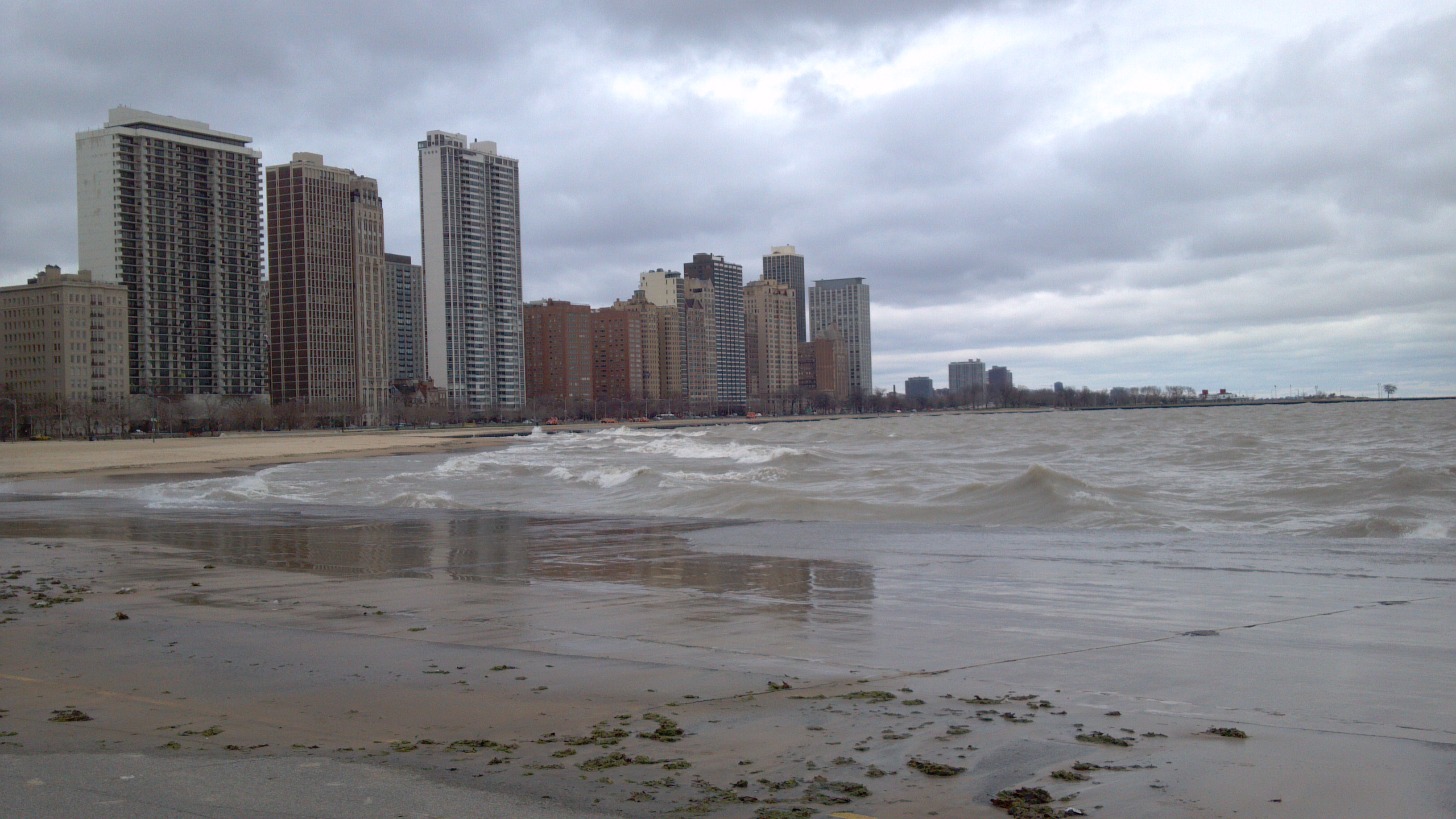 How Far Is The Mccormick Plce From North Avenue Beach