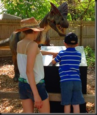 Zoo_May 2013_dino_kids