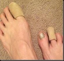 feet w toe protectors